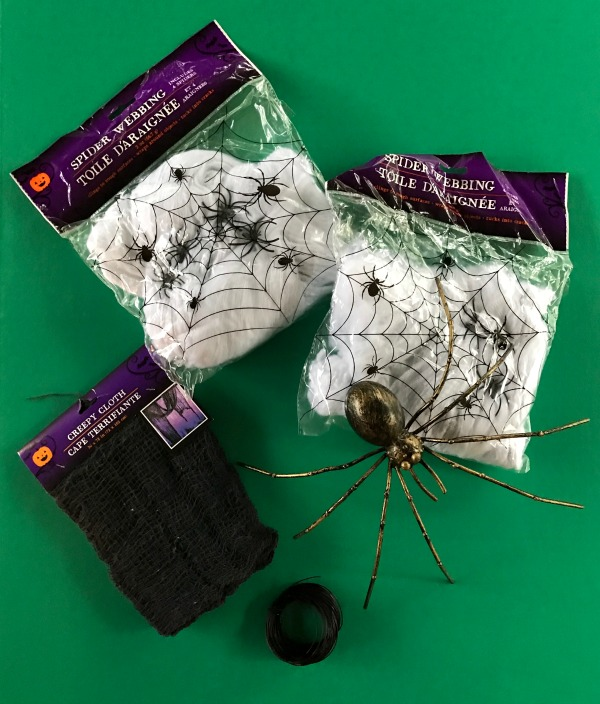 DIY Spider Egg sac Halloween Garland